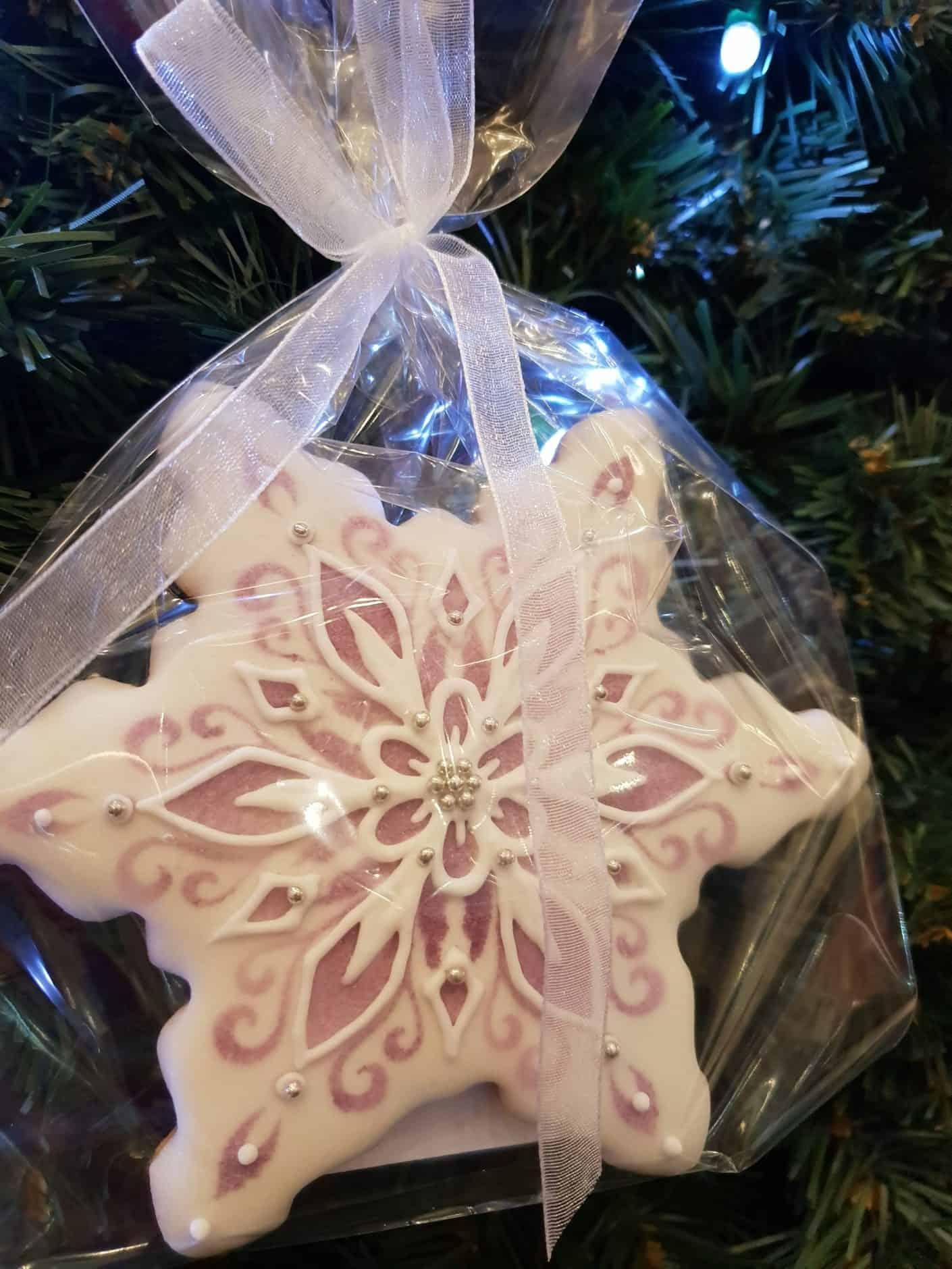 Pierniki bożonarodzeniowe, świąteczne ciasteczka, Lukrowane ciasteczka Bożonarodzeniowe, lukrowane pierniczki na choinkę - Basia sweets