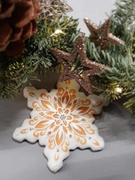 Świąteczne ciasteczka, Lukrowane ciasteczka Bożonarodzeniowe, lukrowane pierniczki na choinkę - Basia sweets