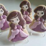 ciasteczka urodzinowe, księżniczki, ciastka lukrowane, ręcznie lukrowane ciasteczka Basia sweets