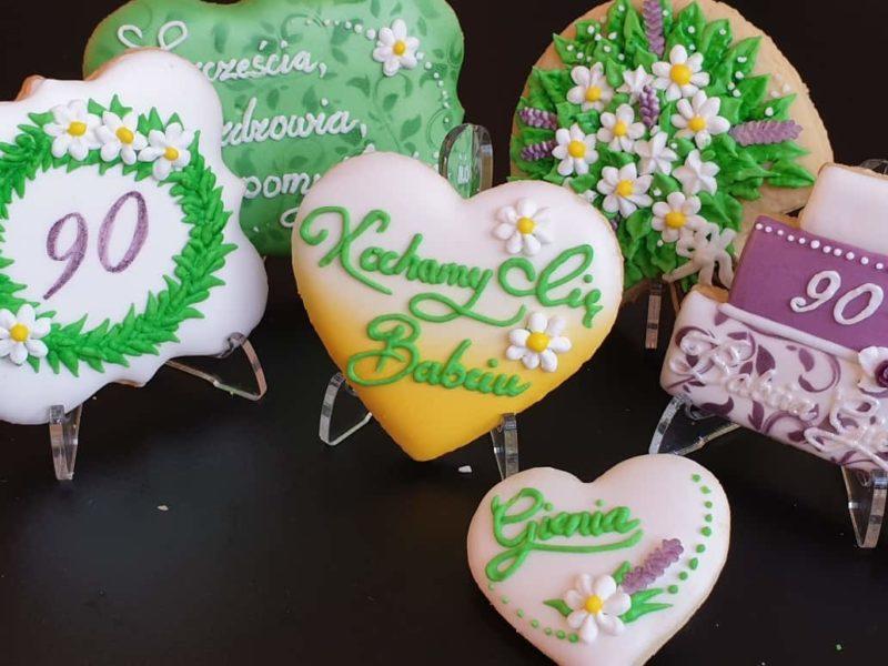 lukrowane ciasteczka urodzinowe, personalizowane ciastka, dla Babci, Basia sweets