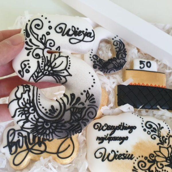 lukrowane ciasteczka, ciastka okazjonalne, ciastka personalizowane, ciasteczka urodzinowe - Basia sweets