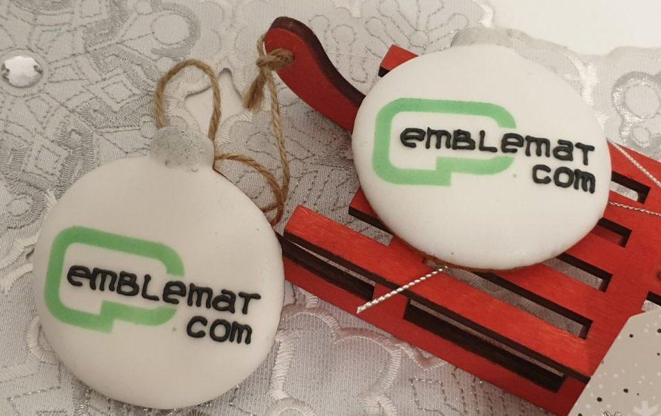 pierniki reklamowe - bombka z logo, ręcznie dekorowane pierniki bożonarodzeniowe, lukrowane pierniczki, świąteczne pierniki, pierniki ozdobne, pierniczki personalizowane - basia sweets