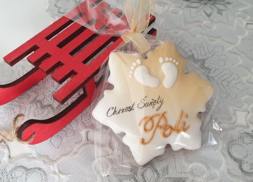 Pierniczki na chrzest - śnieżynki z imieniem dziecka, pierniczki na chrzest w Bożenarodzenie, podziękowania dla gości na chrzest, podziękowania na chrzest, podziękowania chrzest, pierniki bożonarodzeniowe, lukrowane pierniczki, pierniki reklamowe, świąteczne pierniki, pierniki ozdobne, pierniczki personalizowane, lukrowane ciasteczka Basia sweets