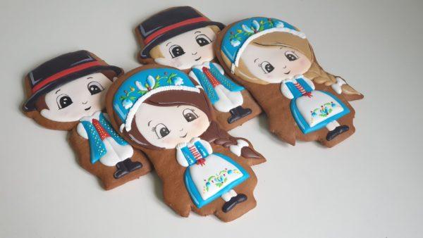 pierniki dekoracyjne, pamiątka z polski, kaszuby, strój ludowy, pierniki Polska, strój kaszubski, lukrowane pierniki - Basia sweets,