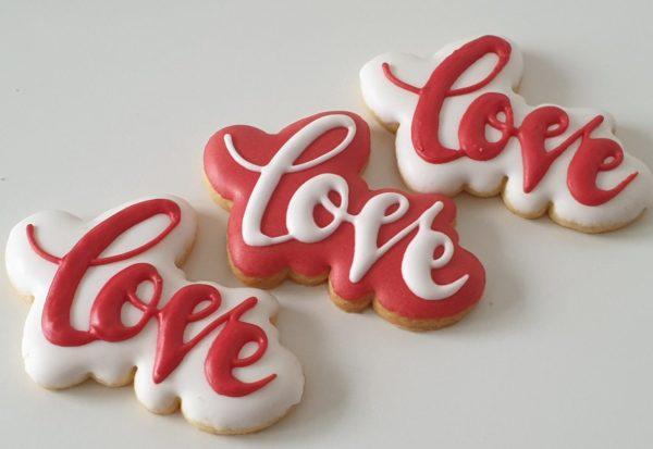 ciasteczka walentynkowe, LOVE, pierniki na walentynki, lukrowane serduszka, lukrowane ciasteczka na walentynki Basia sweets