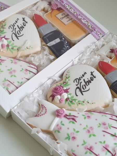 Dzień Kobiet, lukrowane ciasteczka na dzień kobiet, lukrowane pierniki zestaw Basia sweets