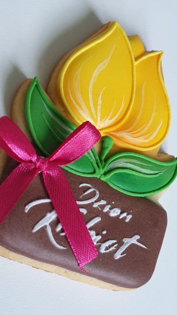 Dzień Kobiet, lukrowane ciasteczka na dzień kobiet, ciasteczka tulipany, ciasteczka kwiaty Basia sweets