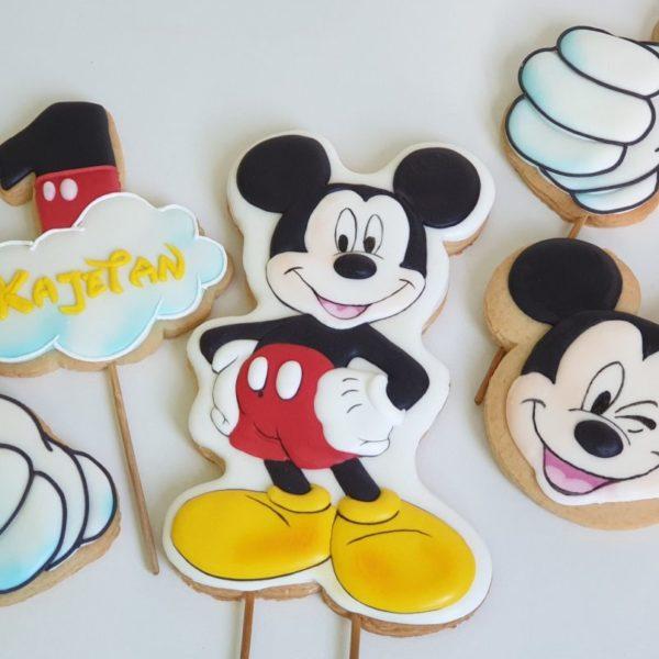 topper na tort, ciasteczka myszka mickey, ciasteczka na roczek, upominki dla gości urodzinowych, lukrowane ciasteczka urodzinowe Basia sweets
