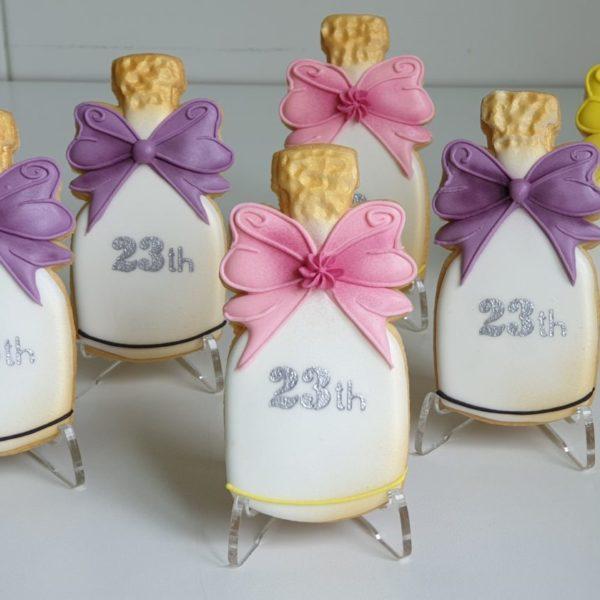 ciasteczka urodzinowe, szampan, ciastka na urodziny, lukrowane ciasteczka - Basia sweets