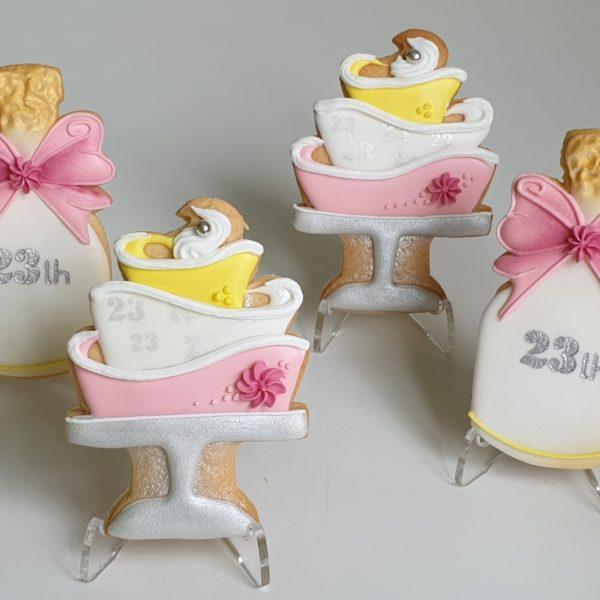 ciasteczka urodzinowe, tort urodzinowy, ciastka na urodziny, lukrowane ciasteczka - Basia sweets