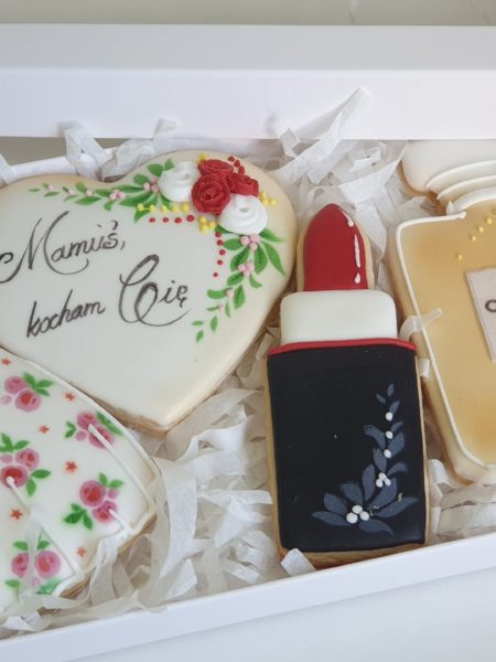 Ciasteczka na dzień mamy, Dzień Matki, komplet pierniczków, lukrowane pierniczki Basia sweets