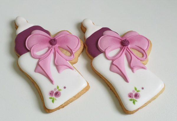 Ciasteczka na chrzest butelka, dla dziewczynki, podziękowania dla gości na chrzest, Lukrowane ciasteczka Basia sweets