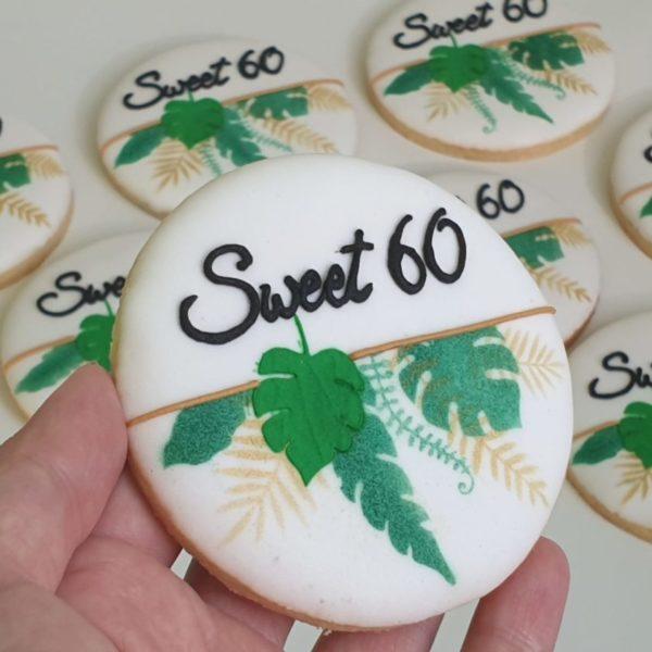 ciasteczka urodzinowe, 60 urodziny, upominki na urodziny, ciastka na urodziny, ciastka urodzinowe dla dorosłych, sweet 60, na 60 urodziny lukrowane ciasteczka - Basia sweets