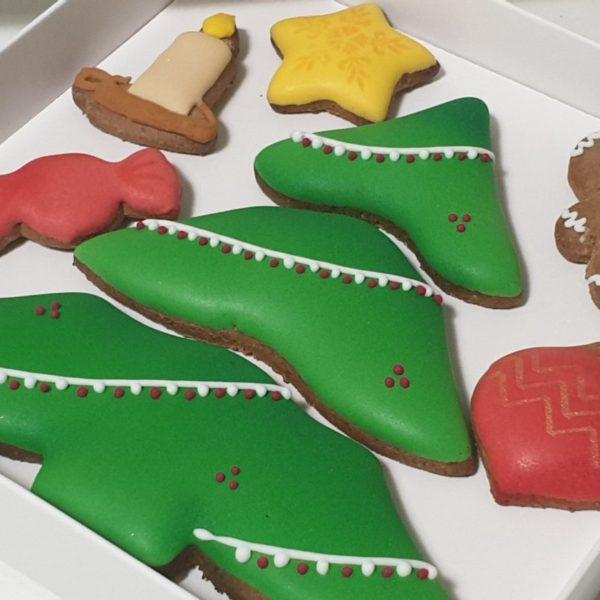 puzzle z piernika - choinka, pierniki bożonarodzeniowe, lukrowane pierniczki, świąteczne puzzle z piernika, choinka z piernika, pierniki ozdobne, pierniczki personalizowane - Basia sweets
