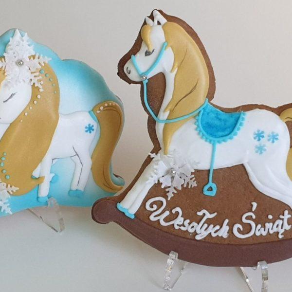 pierniki bożonarodzeniowe, lukrowane pierniczki, konik na biegunach, świąteczne pierniki, pierniki ozdobne, pierniczki personalizowane - Basia sweets