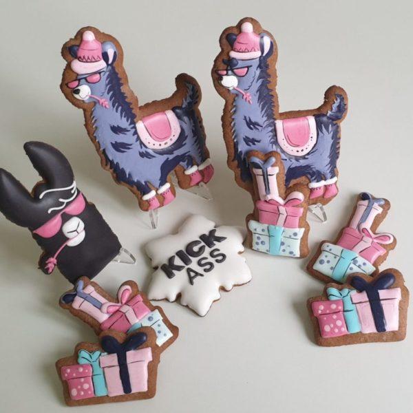 Pierniki reklamowe - zestaw pierników z logo, Świąteczne ciasteczka, Lukrowane pierniczki z logo, ciastka bożonarodzeniowe dla firm, personalizowane zestawy świąteczne dla firm - Basia sweets