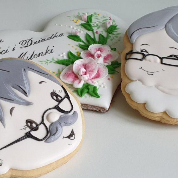 Ciasteczka na Dzień Babci, Lukrowane pierniki, Dzień Babci i Dziadka, pierniki dla babci, serce dla babci, lukrowane ciasteczka, personalizowane pierniki - Basia sweets