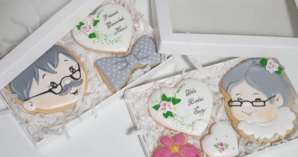 Lukrowane pierniki, Dzień Babci i Dziadka, pierniki dla babci, serce dla babci, lukrowane ciasteczka, personalizowane pierniki - Basia sweets
