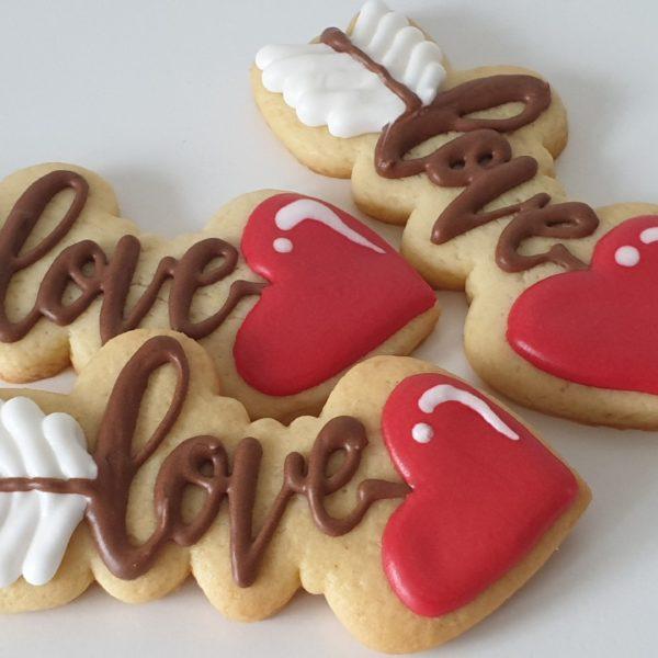ciasteczka walentynkowe, strzała amora, pierniczki na walentynki, serce z piernika, lukrowane ciasteczka na walentynki Basia sweets