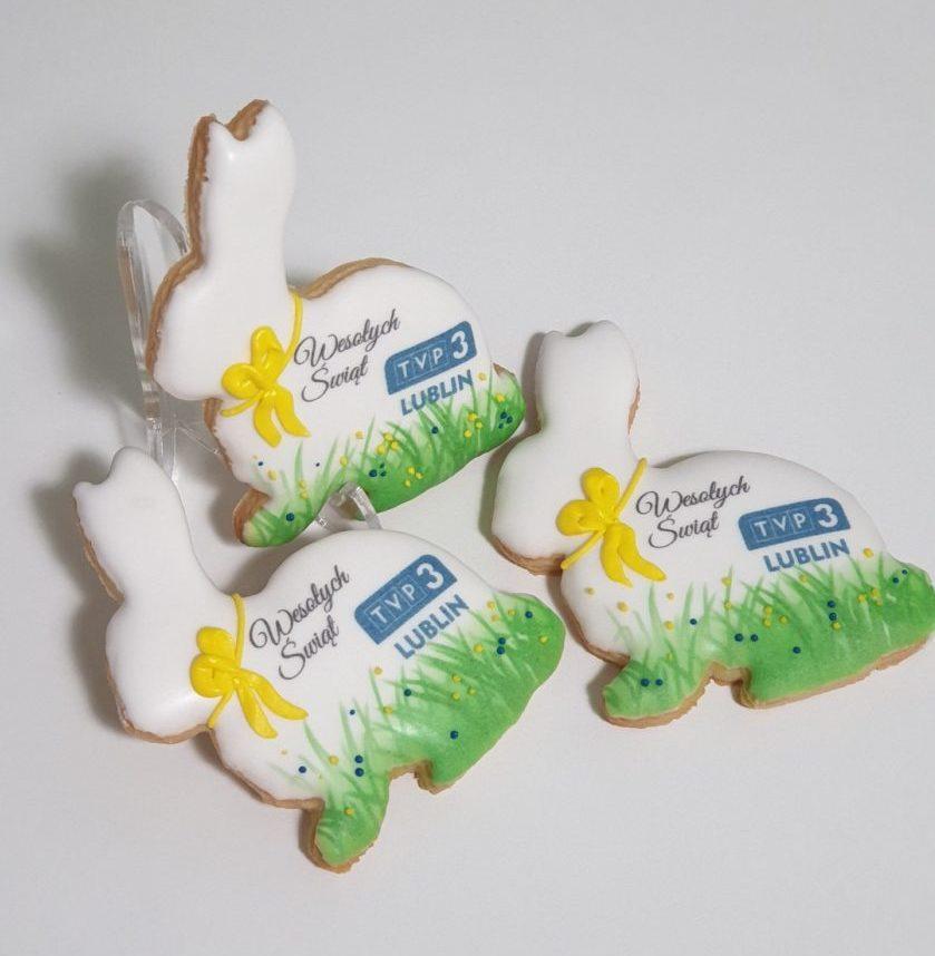 ciastka reklamowe, ciasteczka wielkanocne z logo, pierniki wielkanocne z logo, pierniki dla firm Wielkanoc, pierniki reklamowe, lukrowane pierniczki Basia sweets